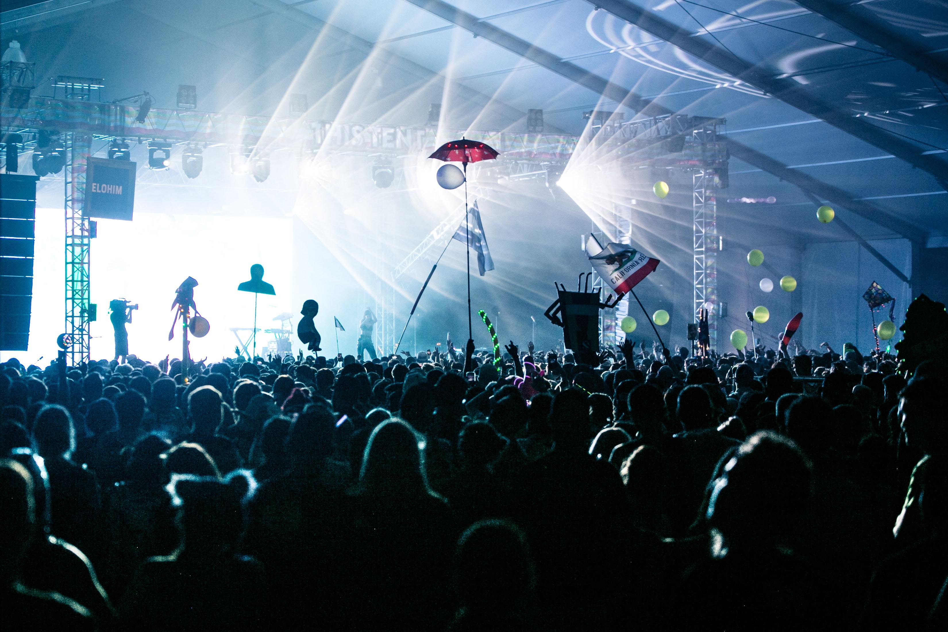 En stor festival.